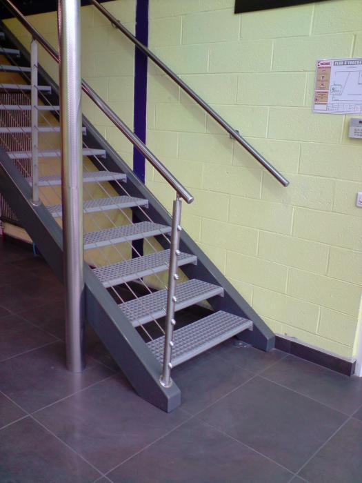 Pin int rieur rampe d escalier et garde corps on pinterest - Rampe d escalier interieur ...